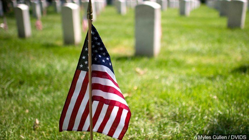Flag on grave_1568912146351.jpg_39386507_ver1.0_1280_720